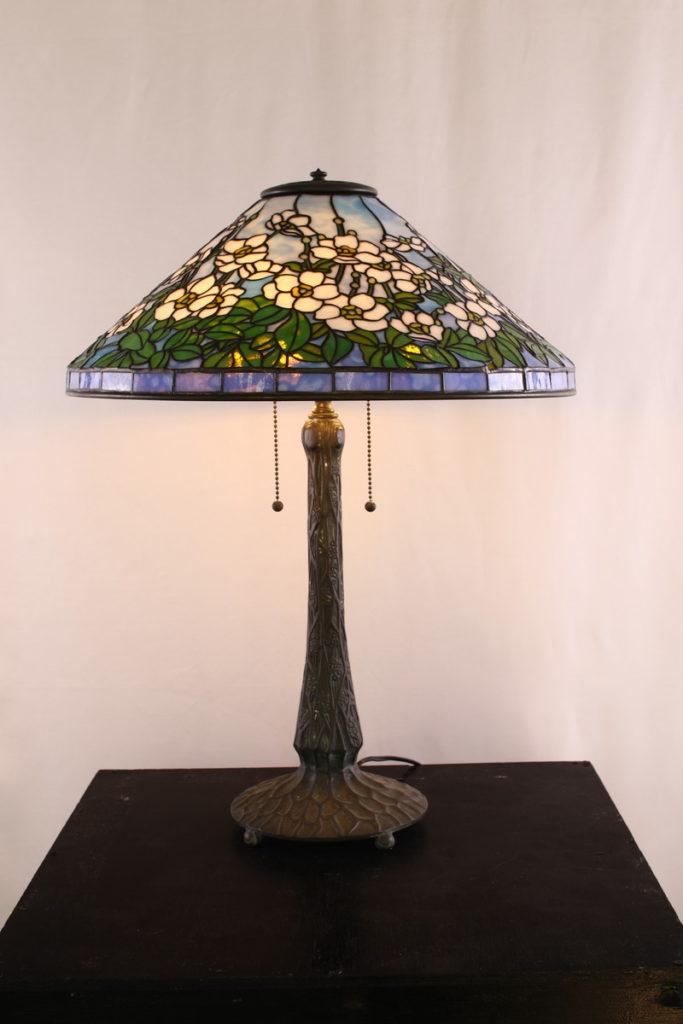 爽やかな色合いのステンドグラスランプ|青・白・グリーン glass N.