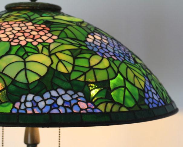 アジサイが愛らしいステンドグラスランプ|ピンク・ラベンダー・グリーン glass N.