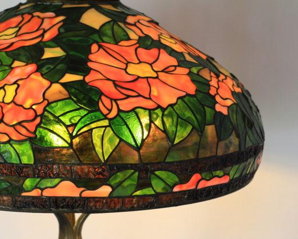 情熱的な椿のステンドグラスランプ|オレンジ・レッド・グリーン glass N.
