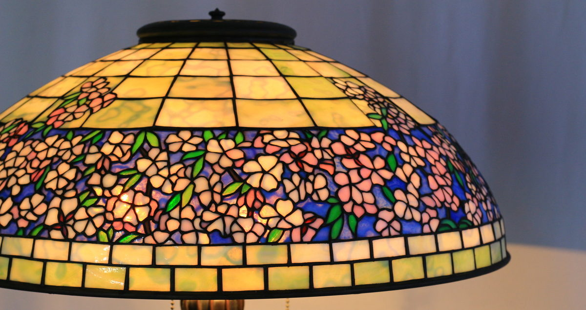 優しい色合いのステンドグラスランプ 白・ピンク glass N.