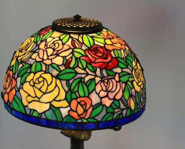 華やかなバラのステンドグラスランプ|カラフル glass N.